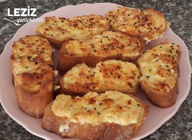 Kahvaltılık Peynirli Yumurtalı Ekmekler
