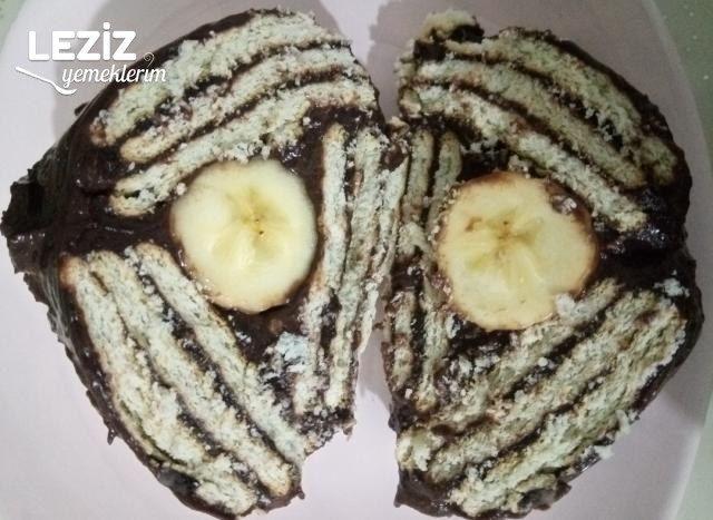 Bisküvili Muzlu Üçgen Pasta