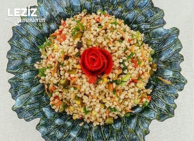 Besleyici Buğday Salatası