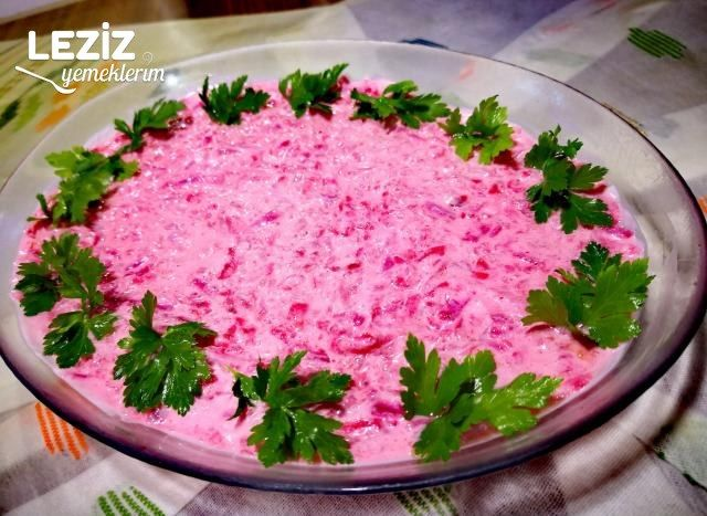 Nefis Yoğurtlu Pancar Salatası