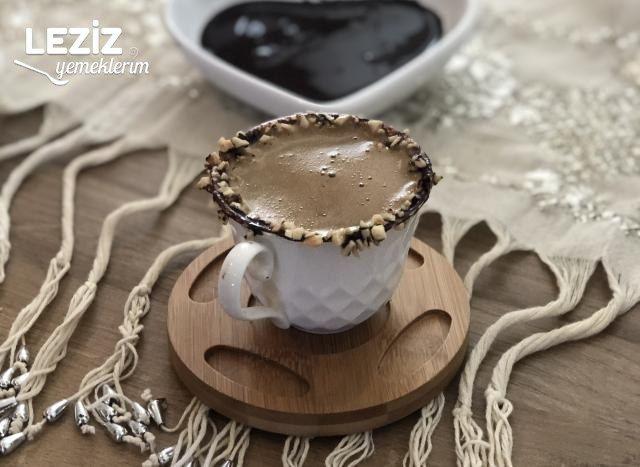 Çikolatalı Fındıklı Kahve Keyfi