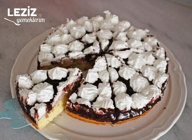 Tamamı Evlerimizde Olan Malzemelerle Yaş Pasta Tarifi