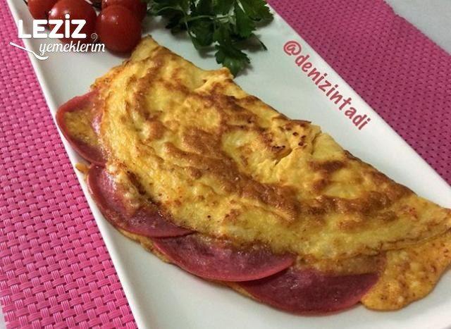Salamlı Omlet