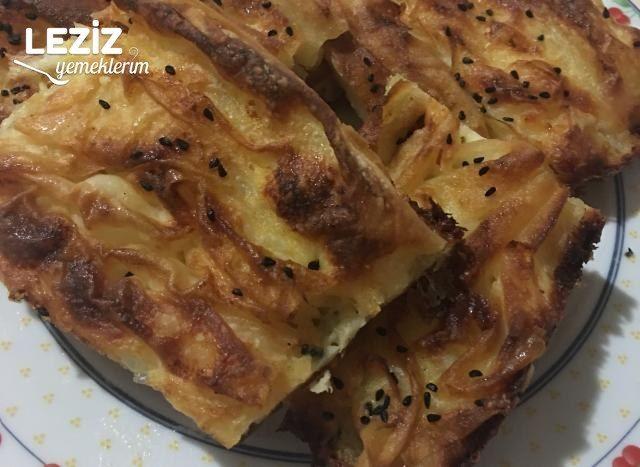 Karışık Peynirli Kırma Börek