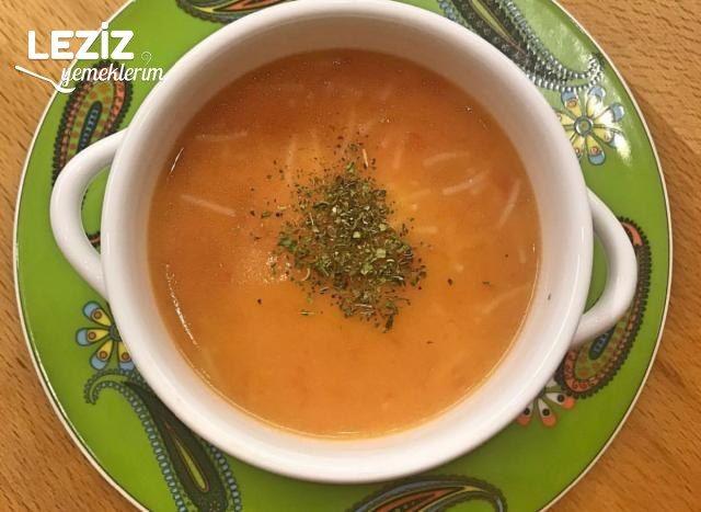 Sütlü Ve Şehriyeli Domates Çorbası