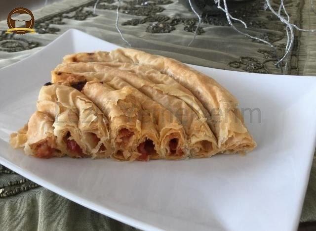 Domatesli Börek (Kolay Arnavut Böreği)
