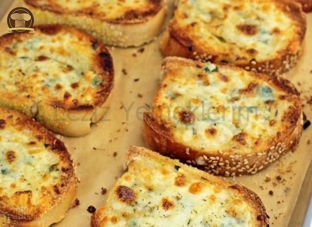 Sütlü Peynirli Ekmek