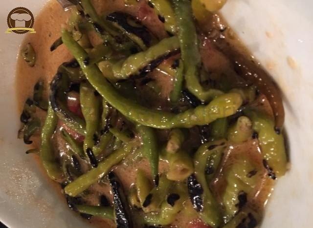 Közlenmiş Yeşil Biber Salatası