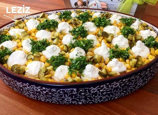 Sağlıklı Bol Sebzeli Yoğurtlu Patates Salatası