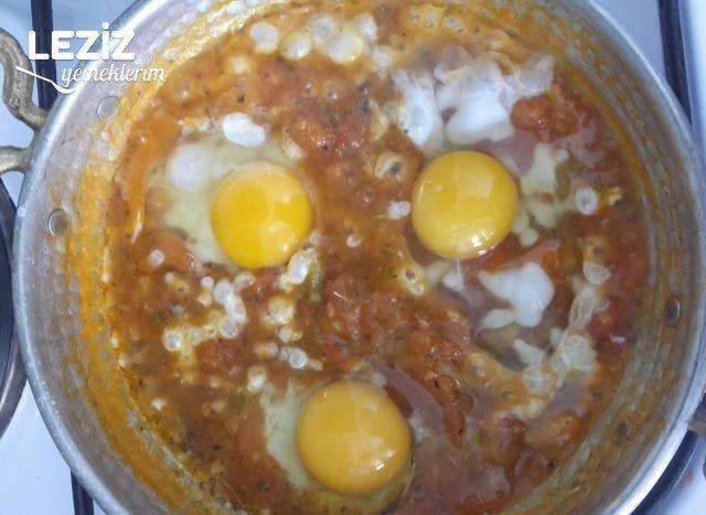 Yumurtalı Menemen Tarifi