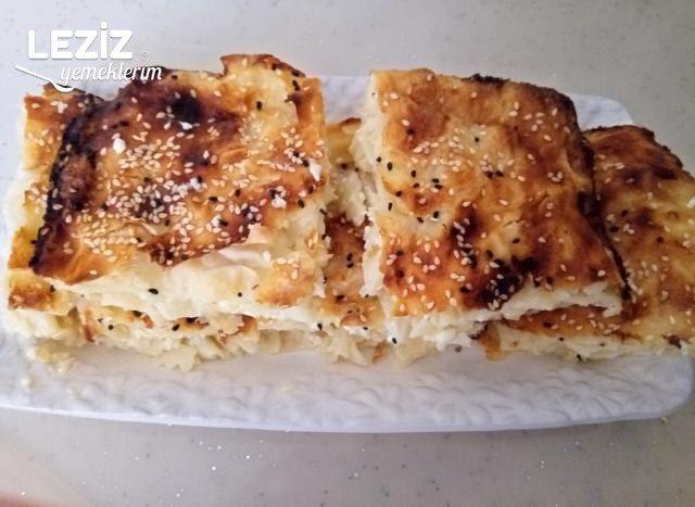 Makarnalı Börek (Yalancı Su Böreği)