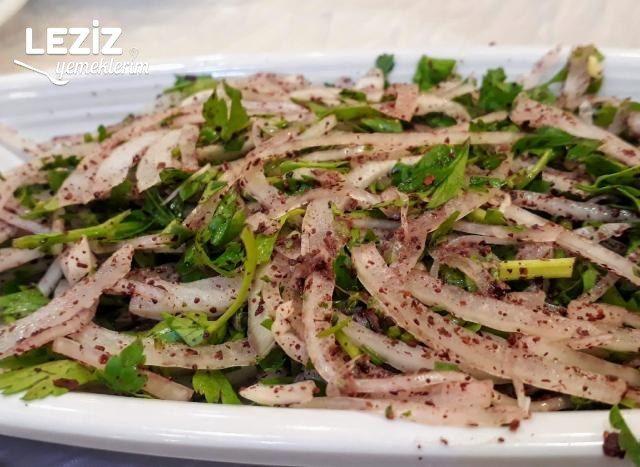 Adana Usulü Sumaklı Soğan Salatası Tarifi