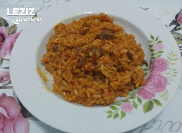 Etli Salçalı Pirinç Pilavı