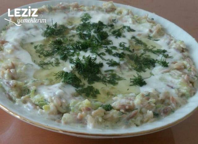 Yoğurtlu Şehriyeli Kabak Salatası