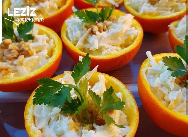 Portakal Çanağında Yoğurtlu Kereviz Salatası Yapılışı