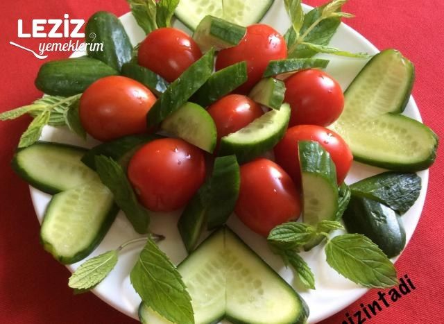 Salatalıktan Kalp Yapımı
