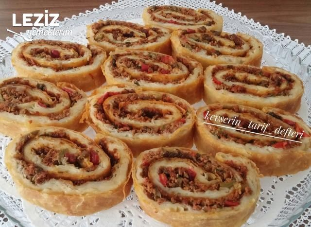 Nefis Lahmacun Böreği Tarifi