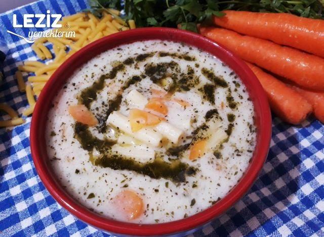 Tavuk Suyana Sebzeli Makarna Çorbası