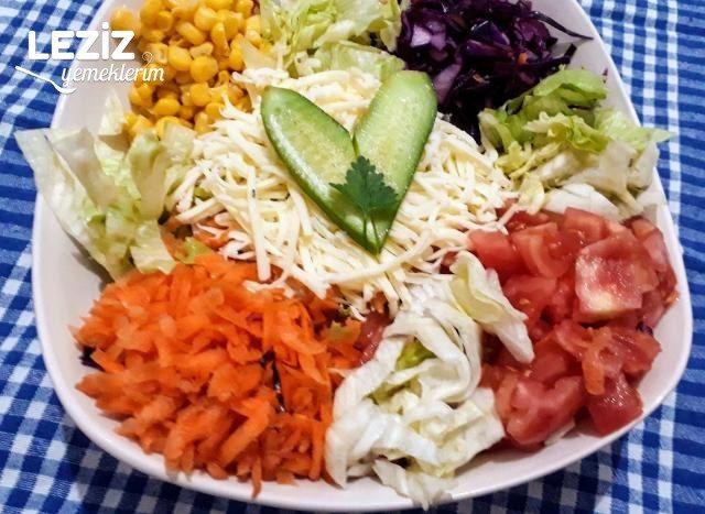 Kaşar Peynirli Restaurant Salatası