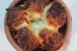 Güveçte Patates Püreli Köfte Tarifi