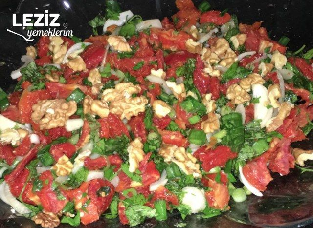 Kuru Domates Salatası Nasıl Yapılır?