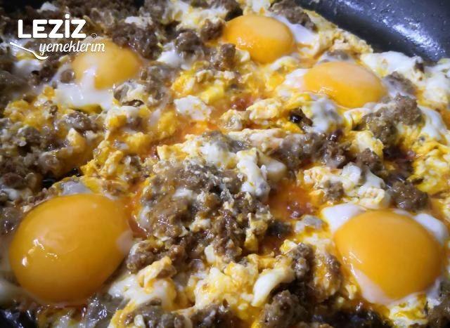 Yumurtalı Sucuk İçi (Sucuk İçi Nasıl Yapılır?)