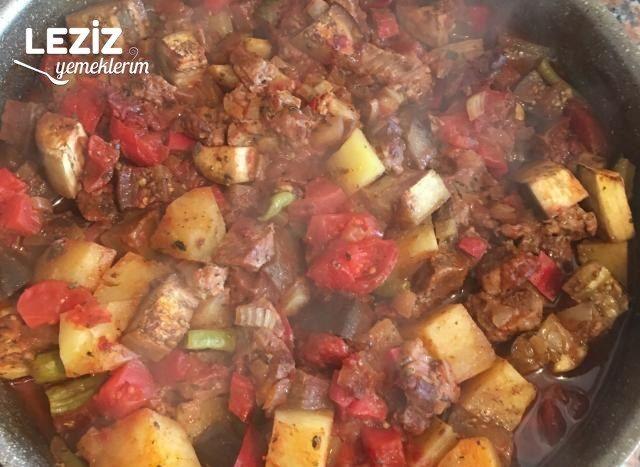 Fırında Sebzeli Et Yemeği