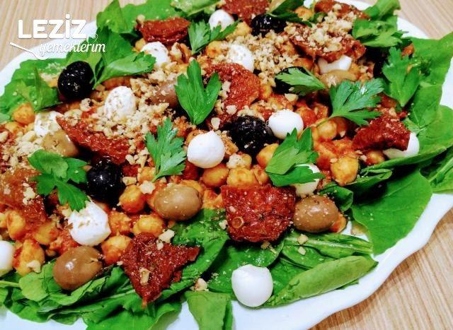 Rokalı Nohut Salatası