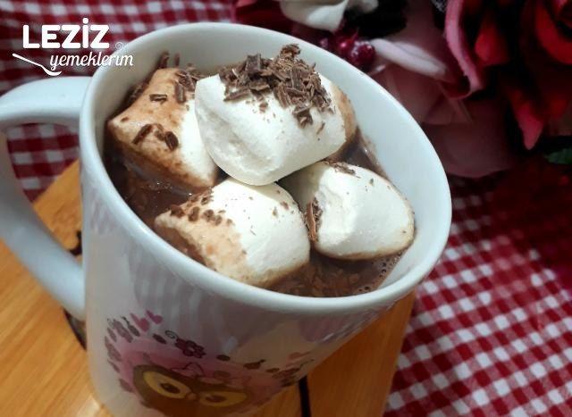 Onsuz Kış Olmaz: Marsmelowlu Sıcak Çikolata
