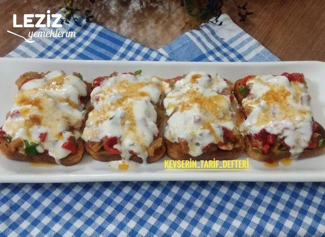 Köz Biberli Ve Patlıcanlı Şahane Etimek Salatası