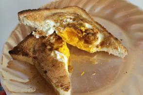 Tost Ekmeğinden Yumurtalı Ekmek Tarifi