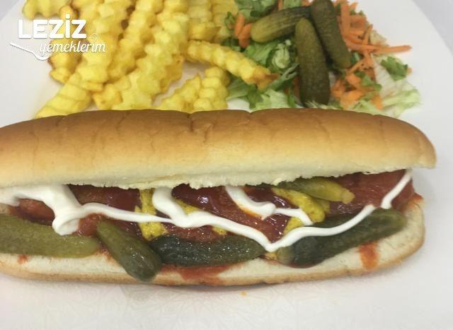 Evde Pratik Soslu Sosisli Sandviç Nasıl Yapılır?