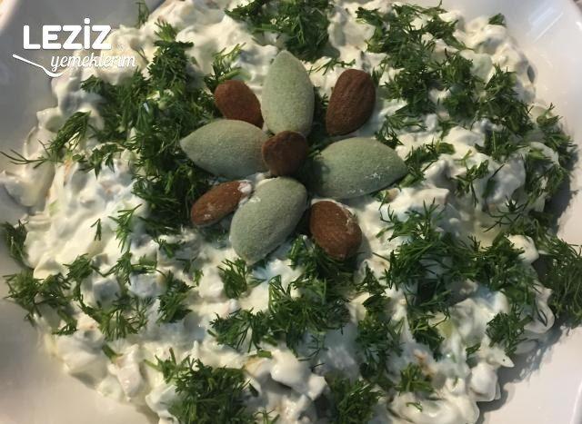 Yoğurtlu Çağla Badem Salatası