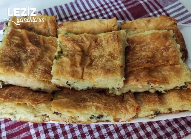 Su Böreği Lezzetinde Peynirli Kolay Tepsi Böreği