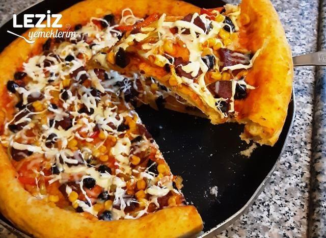 Ev Yapımı Karışık Pizza Tarifi