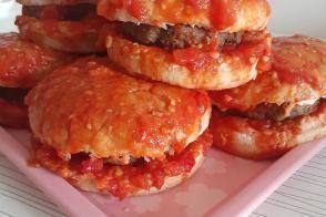 Evde Islak Hamburger Yapımı