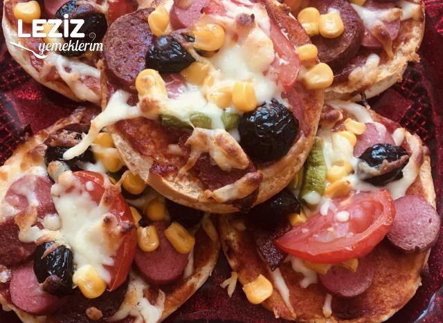 Hamburger Ekmeğinden Pratik Pizza