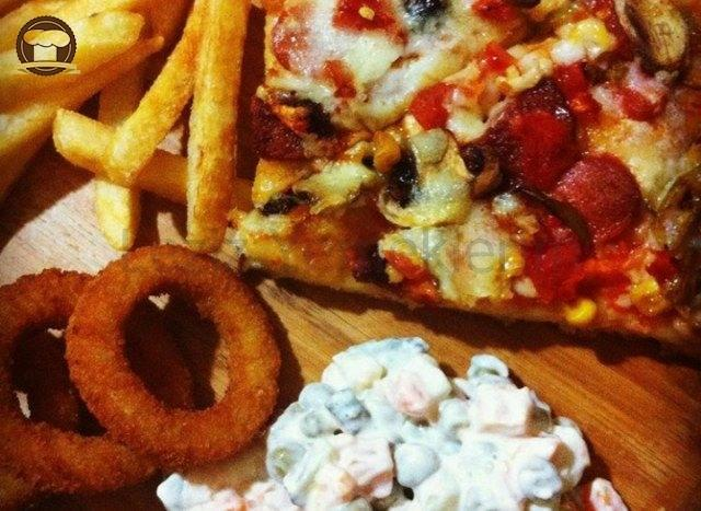Karışık Pizza (Mayalı Hamur)