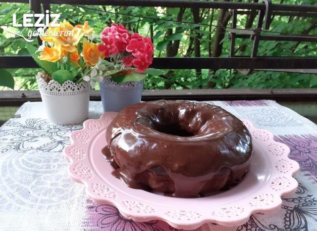 Kaynar Suyla Çikolata Soslu Kek