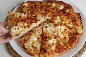 Kahvaltılık Peynirli Pide (Videolu)