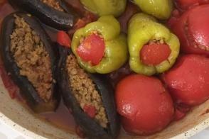 Patlıcan Biber Domates Dolması (Üç Bacı Dolması)