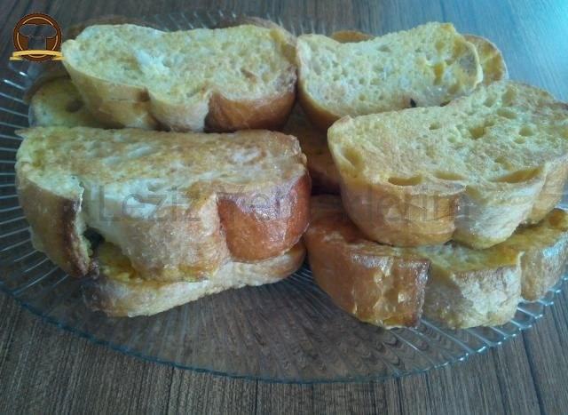 Kızarmış Yumurtalı Ekmekler