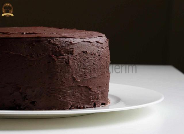 Çikolata Ezmeli Pasta