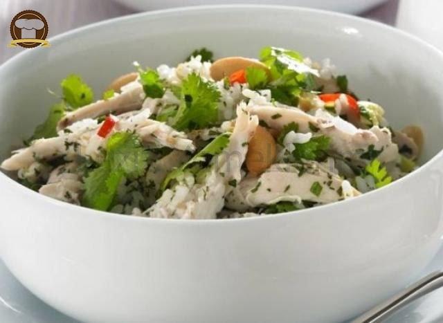 Pirinçli Tavuk Salatası
