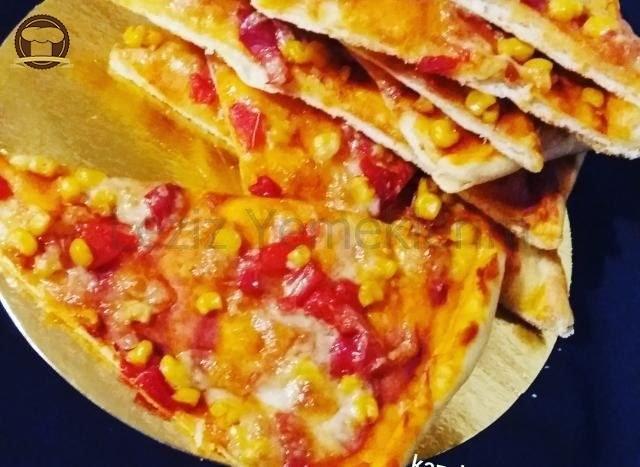 Az Malzemeli Pizza
