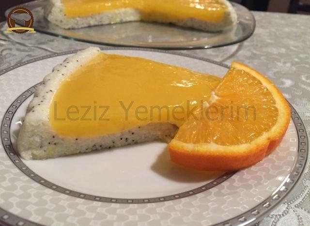 Haşhaşlı Ve Portakal Soslu İrmik Tatlısı