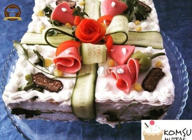 Pasta Görünümlü Salata