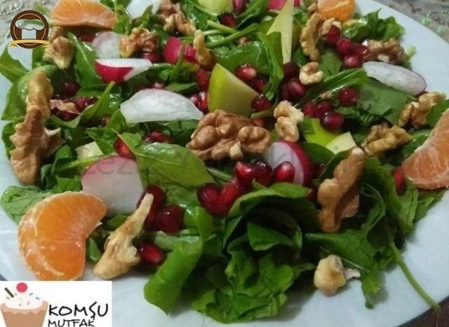 Narlı Elmalı Roka Salatası