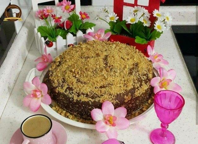 Tarçınlı Üzümlü Fındıklı Kek