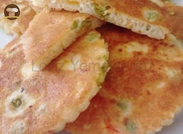 Garnitürlü Taze Soğanlı Pratik Pancake